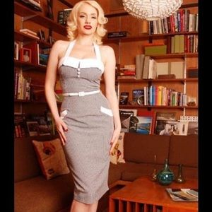 Pin up wiggle dress sweetheart halter